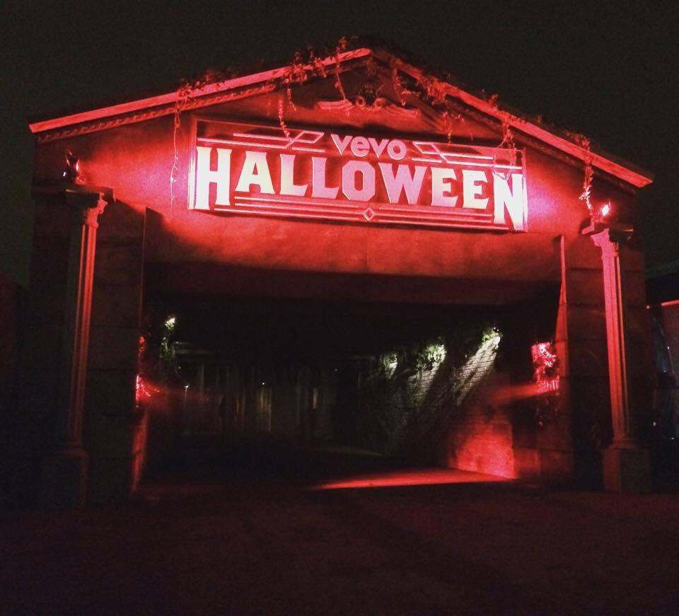 smith+jakes Haunted House Set - Night